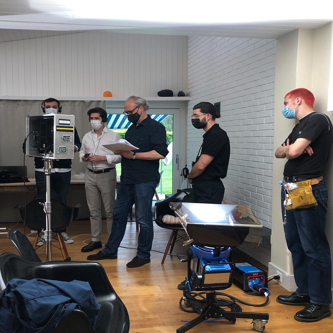 Foto des Teams bei den Dreharbeiten